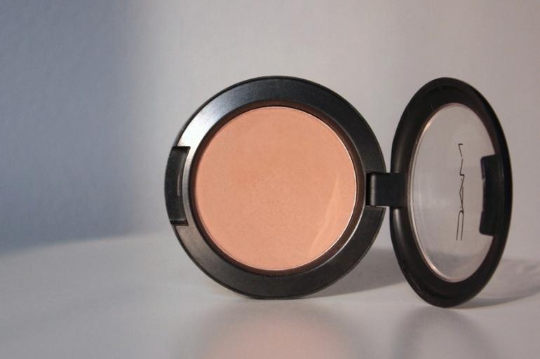 MAC-Harmony-matte-contour-blush-shade
