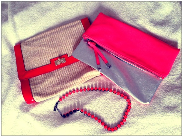 H&M clutches and necklace/ Pic by kiwikoo