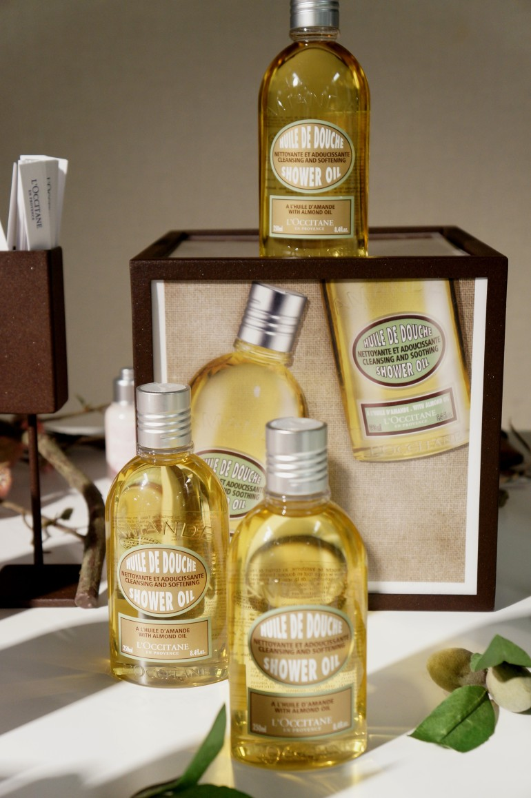 Almond Shower Oil by L'Occitane/ Pic by kiwikoo