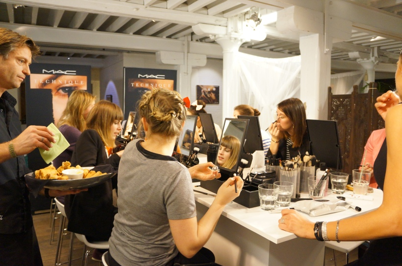 MAC Techniques about the new Spring Summer trends/ Pic by kiwikoo