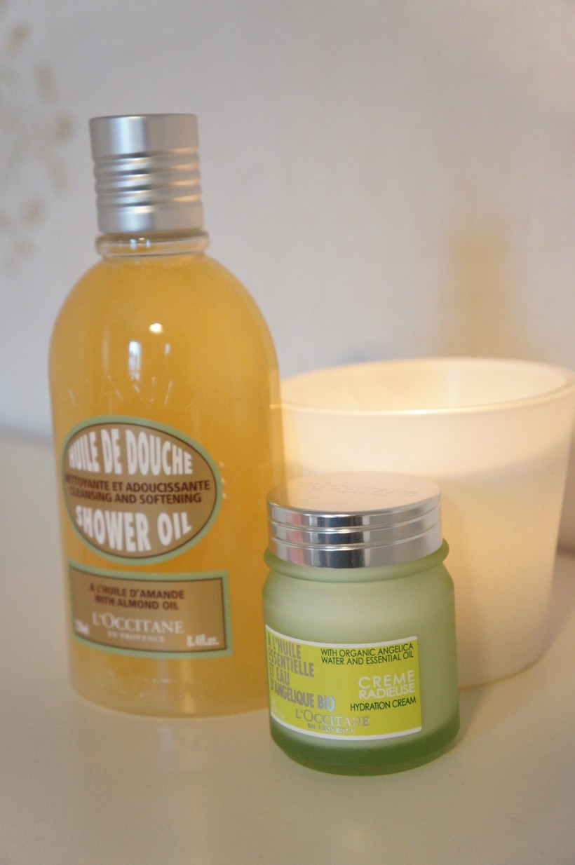 Almond Shower Oil and Angélique Hydration Cream by L'Occitane/ Pic by kiwikoo