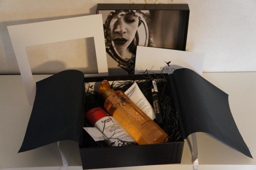February Deauty Box/ Pic by kiwikoo