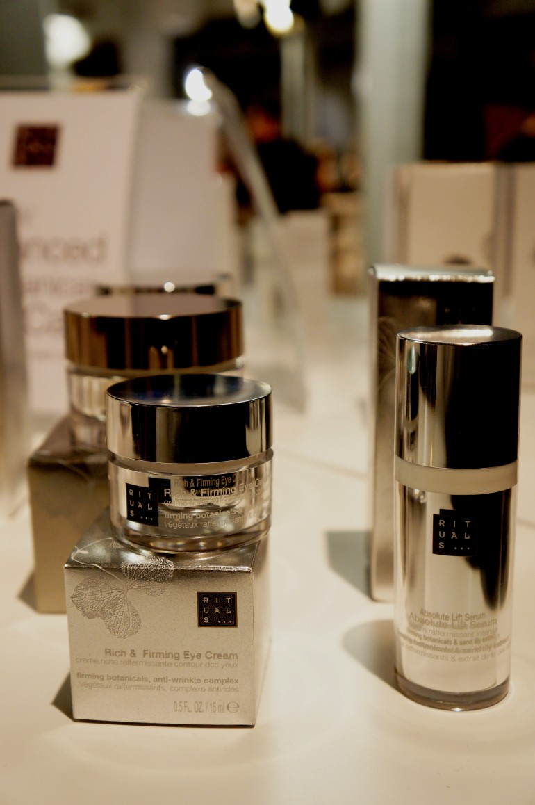 Rich restoring night cream and Absolute Lift Serum by Rituals/ Pic by kiwikoo