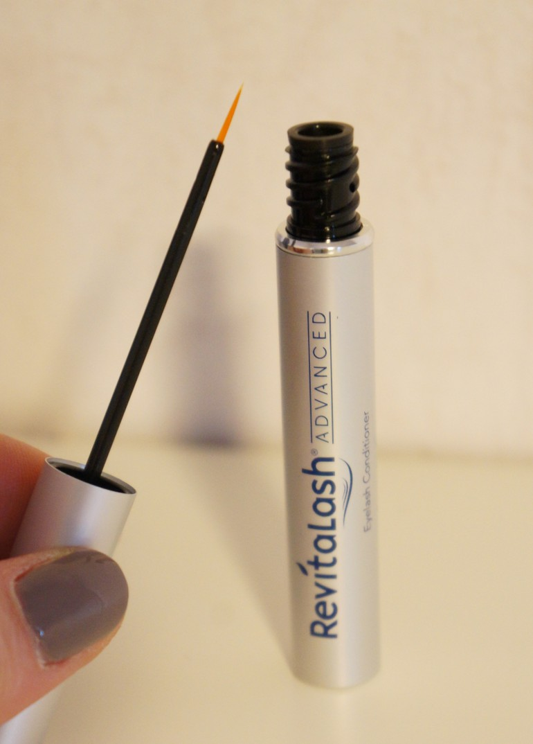 Revitalash Eyelash Conditioner/ Pic by kiwikoo
