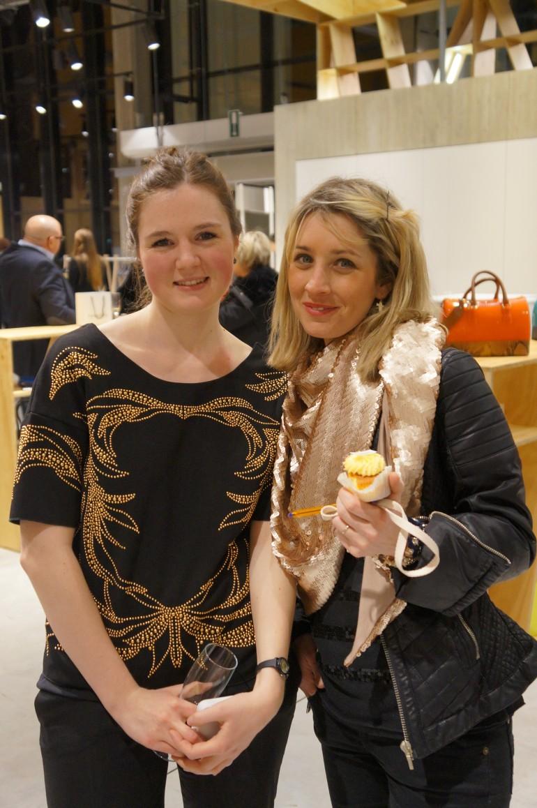 Stephanie Verhaeghe et Sandie Tollardo - Upside- Une Brune Une Blonde/ Pic by kiwikoo