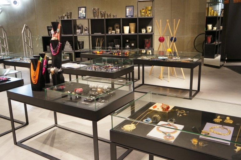 Huge place dedicated to jewels at SMETS Store/ Pic by kiwikoo