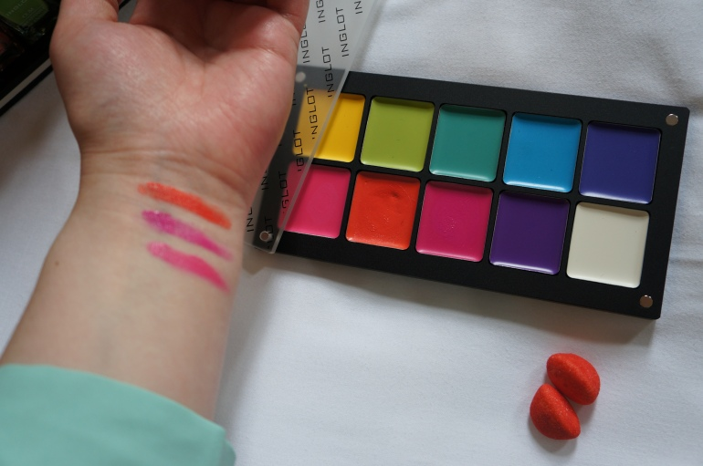 Inglot Lipstick swatches/ Pic by kiwikoo