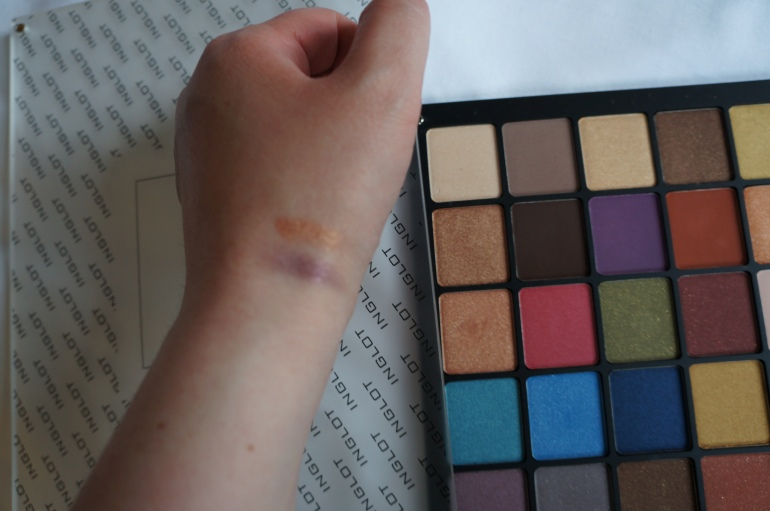 Swatches Inglot/ Pic by kiwikoo