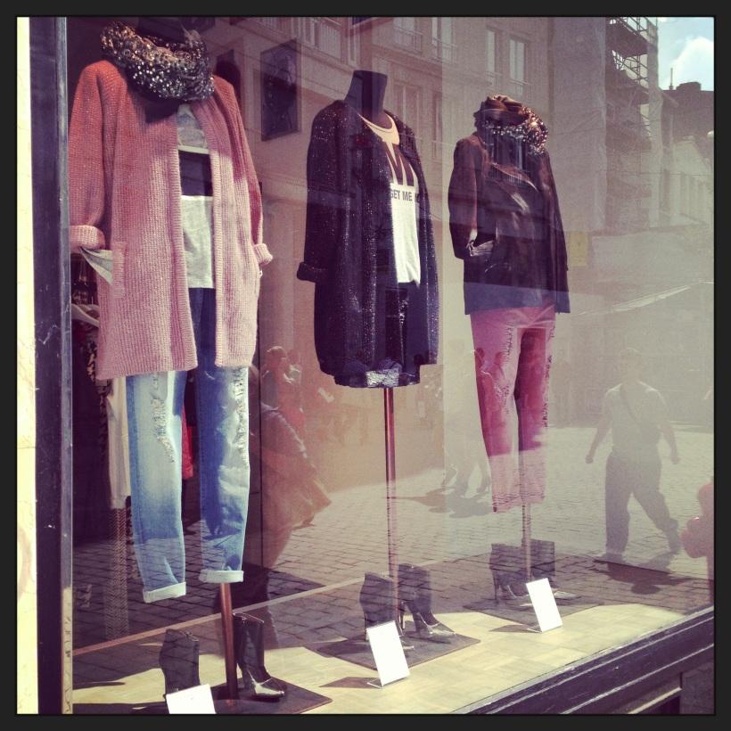 Essentiel store in Liège/ Pic by kiwikoo