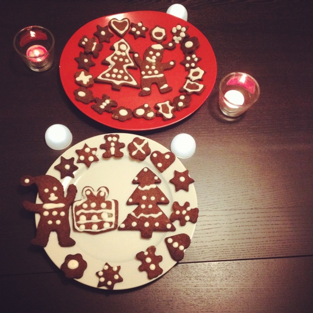 Pic and Christmas biscuits by kiwikoo