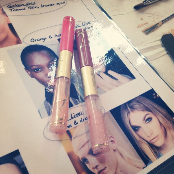 Jane Iredale lipfixation in Craze on the left (@ Kroonen & Brown)/ Pic by kiwikoo