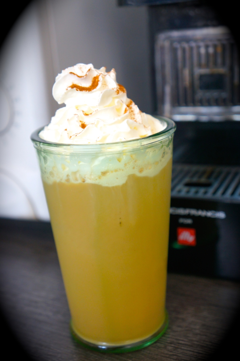 My Illy icy cinnamon coffee/ Pic by kiwikoo