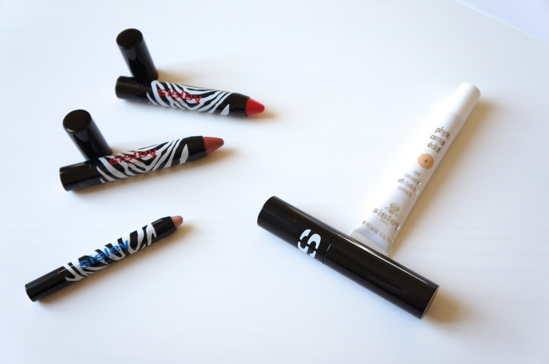 Photo Eye and Lip Twists + So Curl Mascara+ Concealer by Sisley/ Pic by 1FDLE.