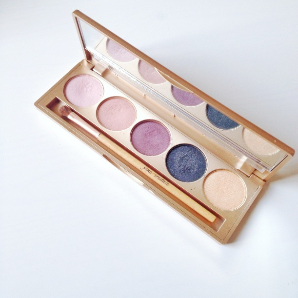 "Jane Iredale ""Smoke Gets in Your Eyes Eye Shadow Kit""/ Pic by 1FDLE."