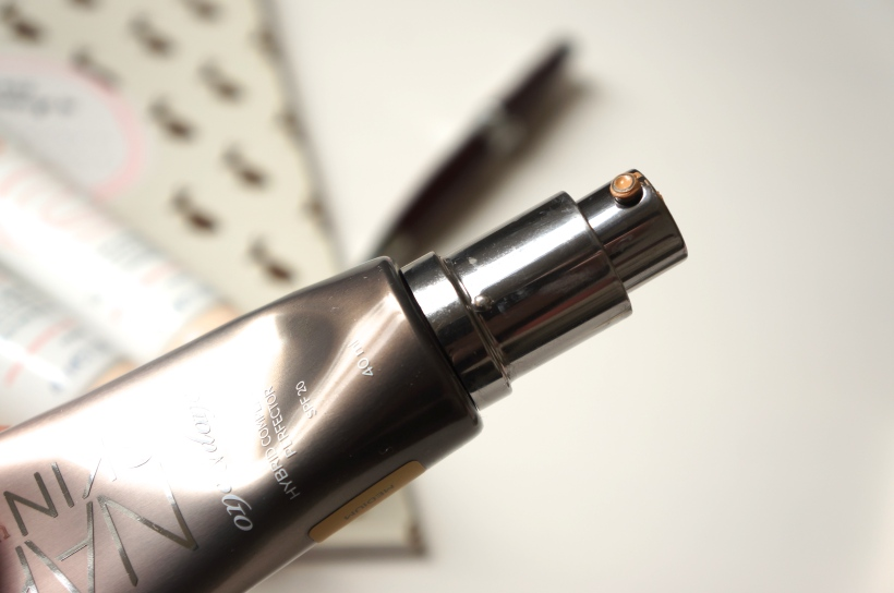 Urban Decay Naked Skin Hybrid Complexion Perfector / Pic by 1FDLE.