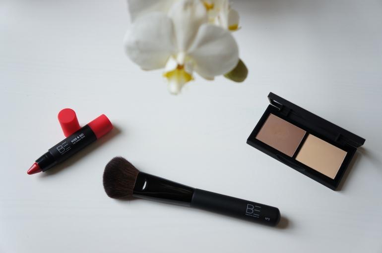 Be Creative Contour Kit (Le crayon pour les lèvres n'est pas à gagner) / Pic by 1FDLE.